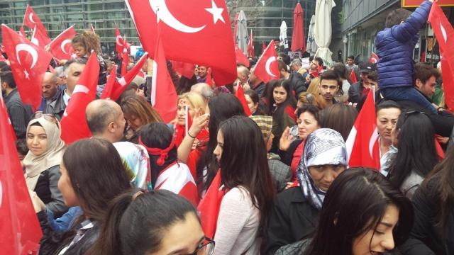 Innsbruck'a sözde Ermeni Soykırımı Anıtı dikilmesi protesto edildi