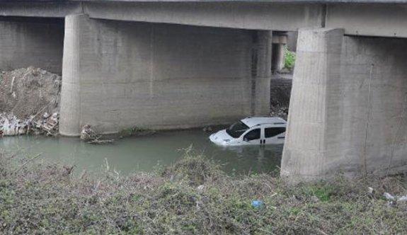 Kız arkadaşını kaçırırken kaza yapınca yakalandı