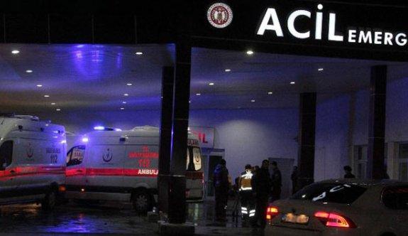 Polisleri taşıyan midibüs yan yattı: 18 polis yaralı