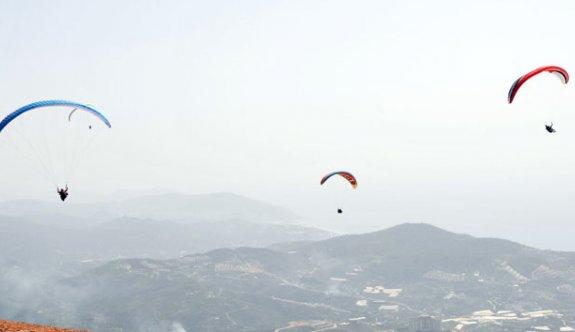 Yamaç Paraşütü 3. Etabı Alanya'da başladı