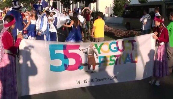 Silivri'deki 55. Yoğurt Festivali kortej yürüyüşüyle başladı
