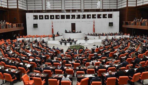 AKP, CHP ve MHP mini Anayasa paketini Salı günü görüşecek