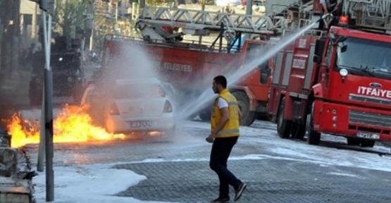 Molotoflu saldırıda kadın polis yandı!