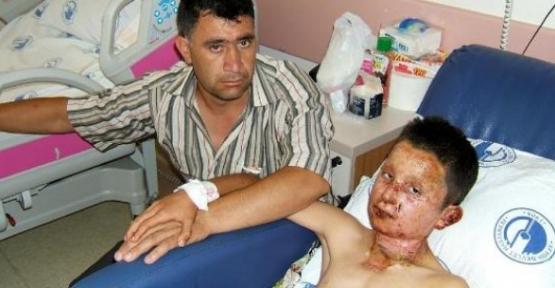 Patlamayan iftar topu çocuğun elinde patladı