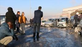 İzmir'de zincirleme trafik kazası: Ölü ve yaralılar var