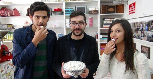 Türk lokumunu sahiplenen Yunanistan'a yoğurtlu lokum gönderiyor