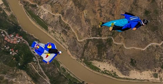 Ülkemizin ilk ikili wingsuit projesi